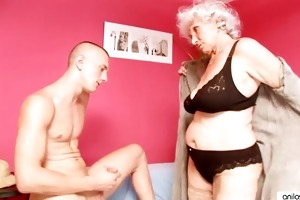 aged granny betty bonks juvenile dong
