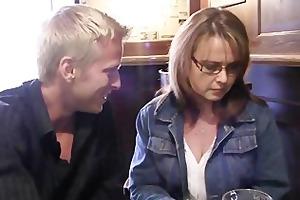 drunk mama acquires her cunt screwed