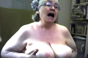 large granny on the web camera r20