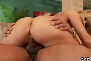 breasty blond large tit bitch devon lee hardcore