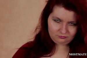 older hoe rubs biggest boobs in close-up