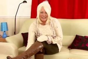 amber jewell interviews and masturbates for