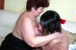 mature sweethearts fucking with younger chicks