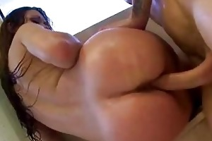 bootylicious brunette hair momma acquires her