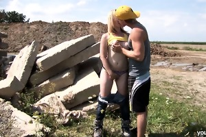 breasty legal age teenager cindy fucking outdoors