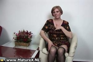 older slutty woman is touching her hawt part3