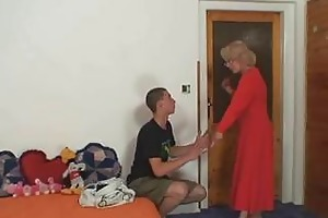 sex hungry mamma wishes fuck with lad