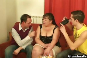obese aged whore swallows rods