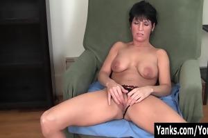 pierced mother i kassandra masturbating