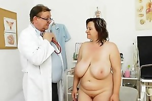corpulent mother i brunette hair gets a gyno