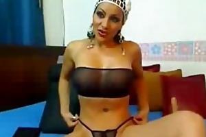 hawt breasty colombian older