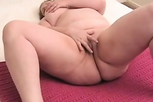 chunky mommy with enormous meatballs pleases her