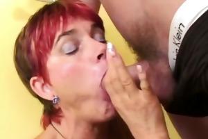 divorced mama engulfing fresh meat
