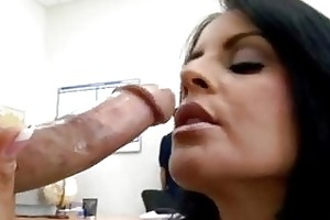 sexy momma mikayla feeds her hungry face hole