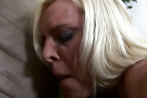 concupiscent mother i fucking and gets cum on her