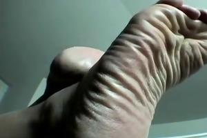 older wide wrinkled soles tease