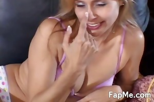 ravishing d like to fuck knows how to strokes a