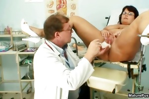 lustful doctor bonks a big beautiful woman mama