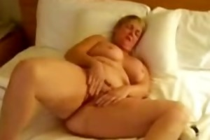 my aged doxy masturbating for all internet viwers