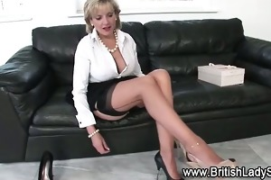 breasty brit lady sonia receives herself off