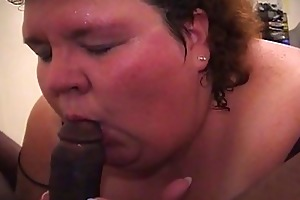 large momma likes parading her soaked boobs