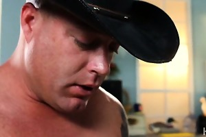 cowgirl payton leigh gave a oral and ride a large