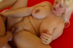 chubby dilettante wife sucks and copulates at home