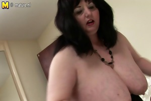 large british mom shows off great mambos and
