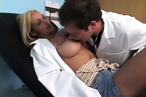 ari-areolis affects hotties with big breasts.