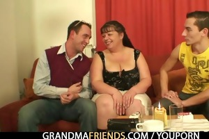 interview with chunky woman leads to three-some