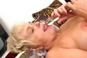 naughty mama feeling hot playing part5
