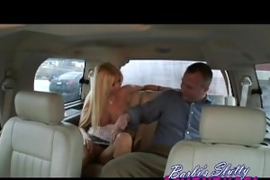 gracious dude bangs barbi on his lunch break