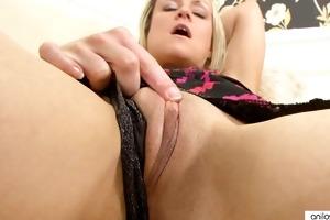 sexy houswife in nylons closeup masturbation