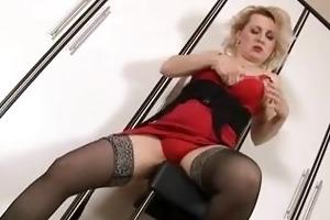 wanting penis aged woman masturbates