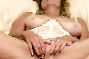 mamma receives moist