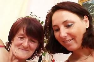 shaggy grandma toyed by breasty mature lesbo