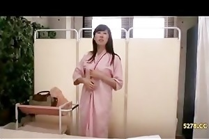 wife seduced fucked by masseur nearby spouse 03