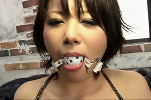 wicked oriental bimbo with curly cum-hole pussy