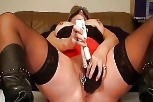 mrspaarira german mother i plays with 2 dildos