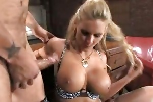 pretty momma phoenix marie receives sloppy
