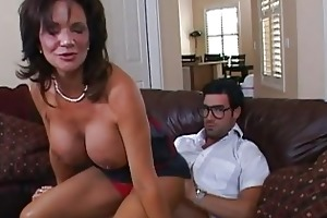 busty dark brown d like to fuck getting her pussy