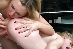 older milf bonks and receives a spunk fountain