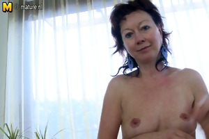 slender older mamma dreaming of your pounder