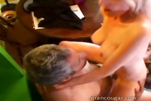 sexy old cougar with old chap sucks his dick and