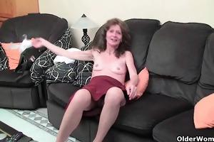 saggy granny in nylons masturbates shaggy muff