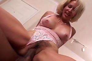 milf receives her curly slit filled with darksome