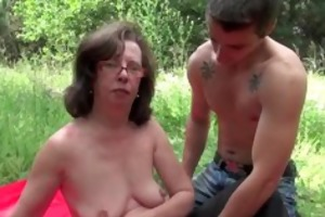 granny receives her arsehole invaded outdoors