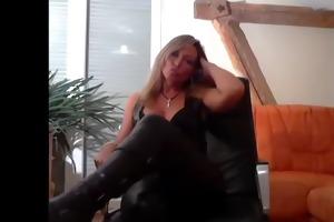 golden-haired leder bitch goddess will, dass du