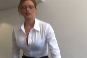 secretary sort gives a harsh handjob