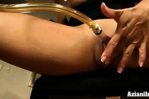 aziani iron buff muscle chick pumps her love